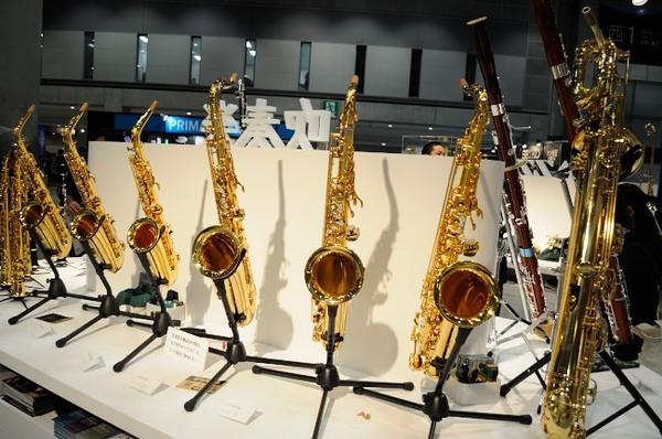 楽器フェア2014_YAMAHAブース管楽器もズラリ.JPG